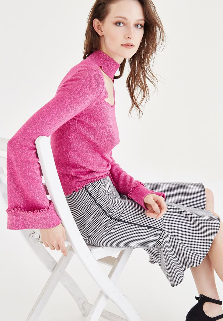 Pink Pullover With Neck Detailed