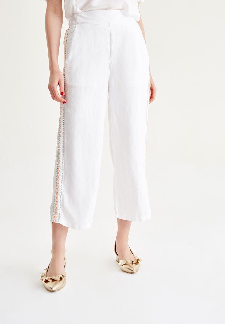 Beyaz İşlemeli Bol Pantolon