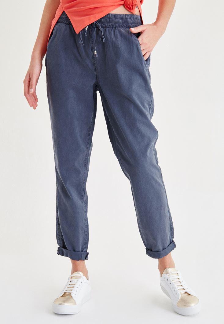 Gri Beli Bağcıklı Pantolon