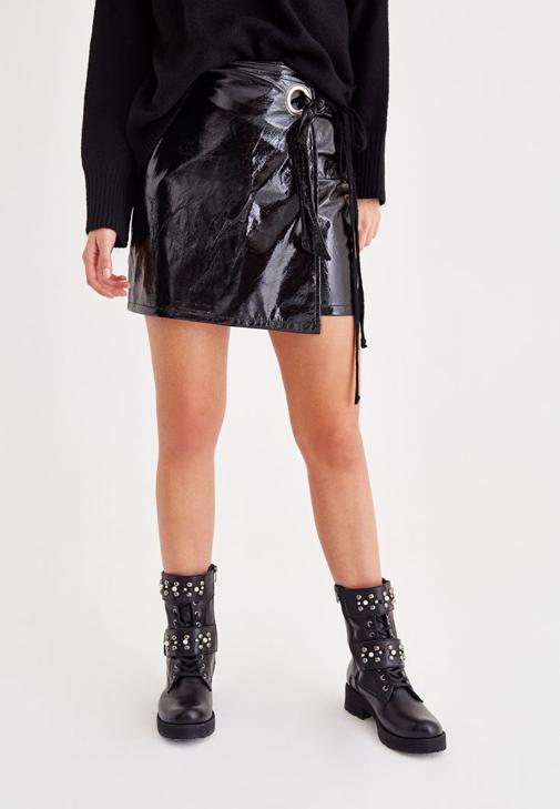 Siyah Rugan Mini Etek