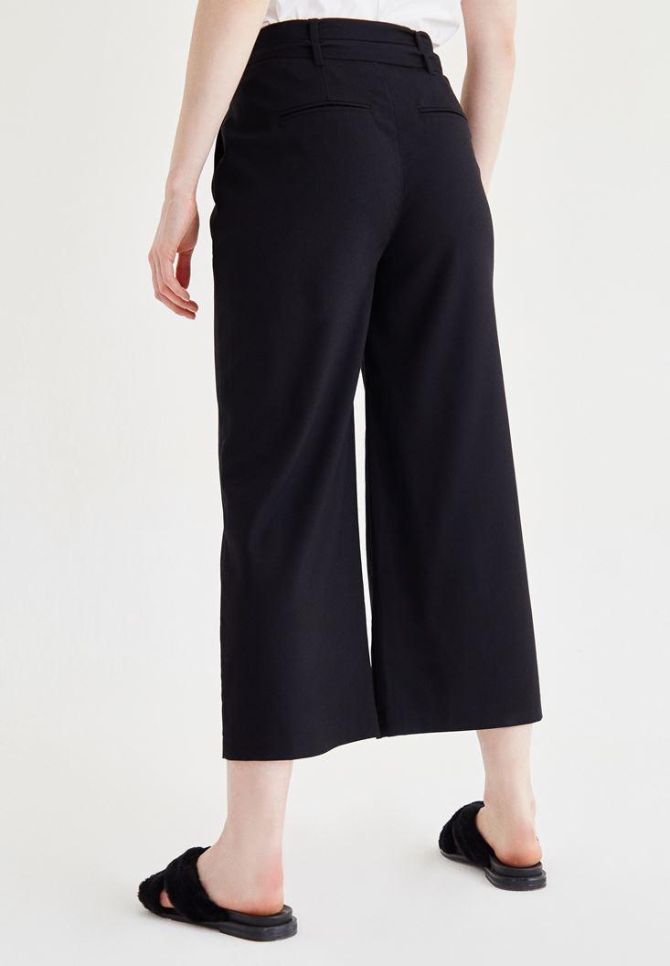 Bayan Siyah Kemer Detaylı Culotte Pantolon
