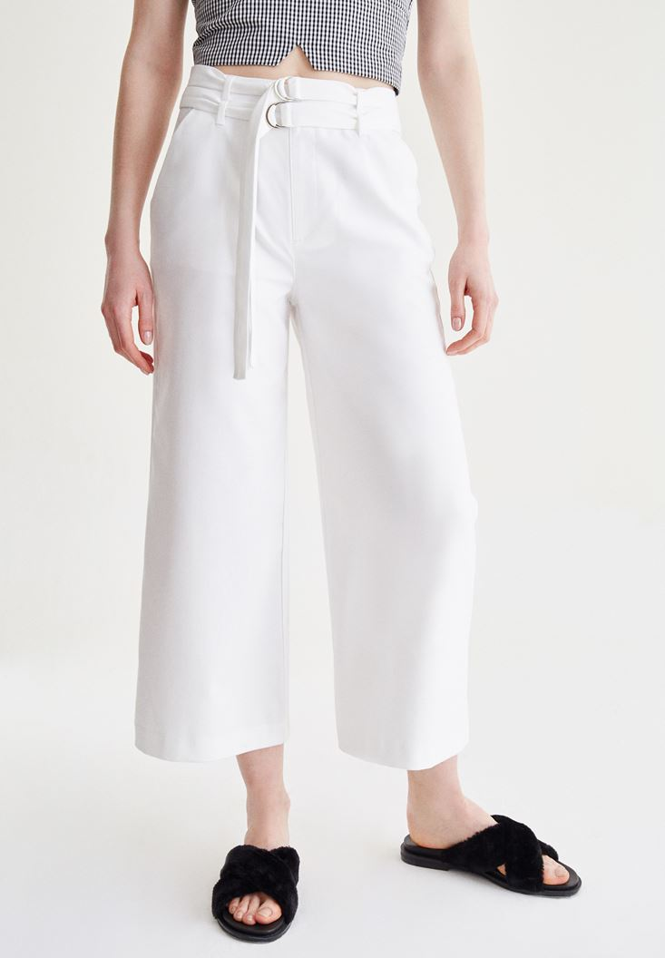Beyaz Kemer Detaylı Culotte Pantolon