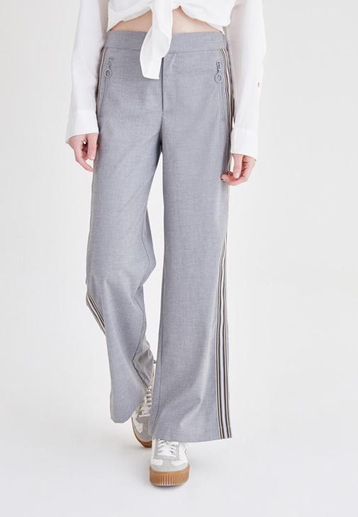 Gri Çizgi Detaylı Bol Kesim Pantolon