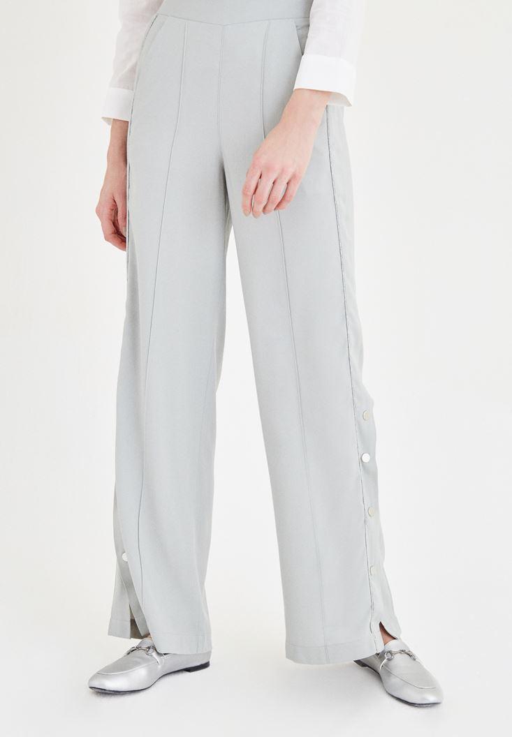 Gri Paçaları Düğme Detaylı Pantolon