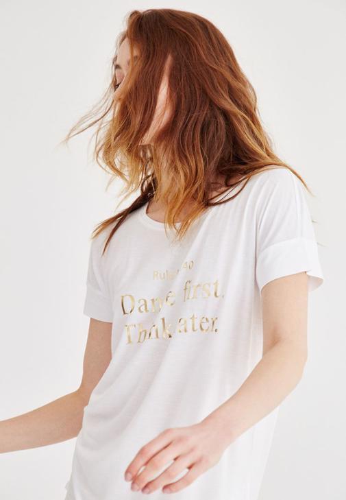 Beyaz Metalik Baskılı Tişört