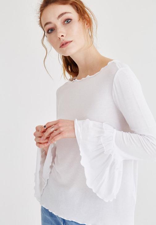 Beyaz Kolları Fırfırlı Bluz