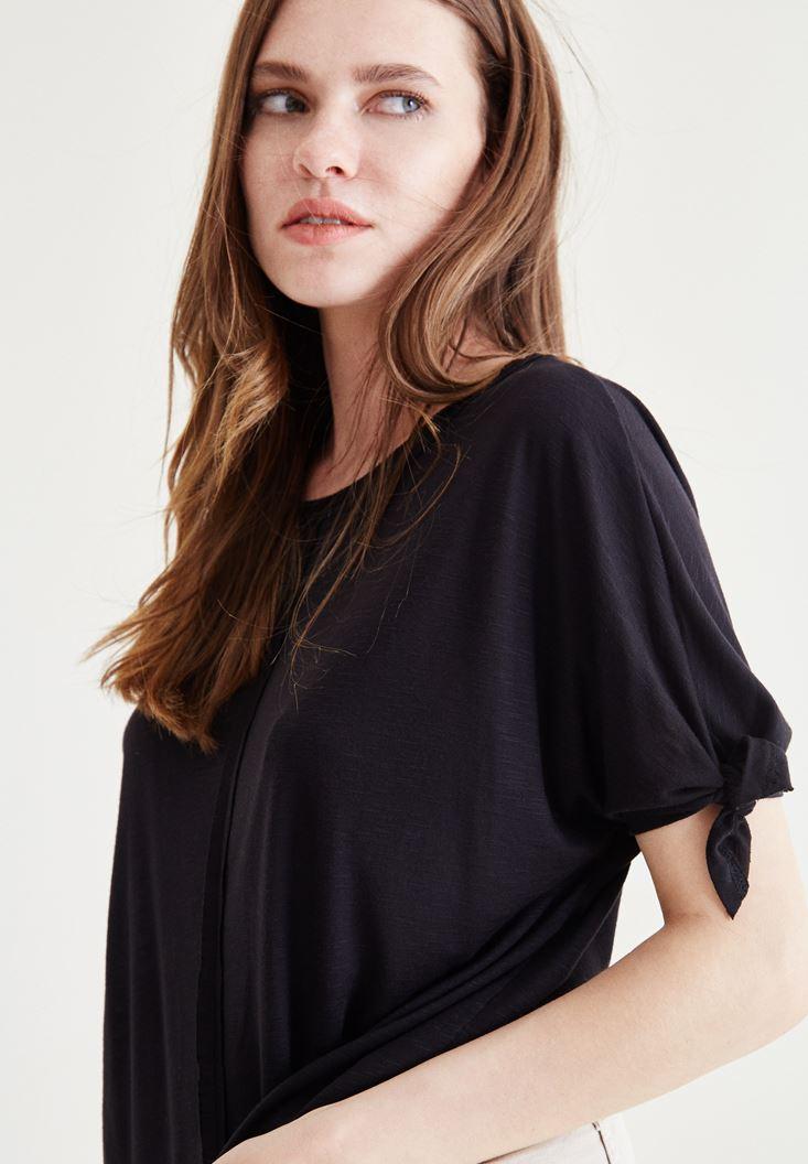 Siyah Kol Detaylı Dökümlü Bluz