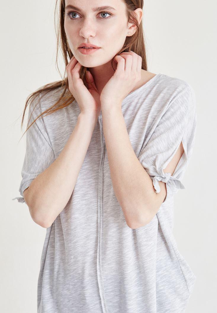 Beyaz Kol Detaylı Dökümlü Bluz