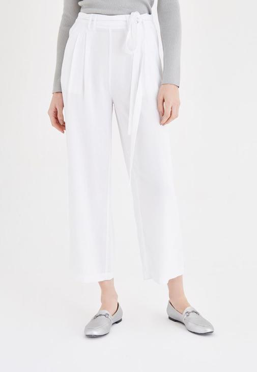 Beyaz Bol Kesim Pantolon