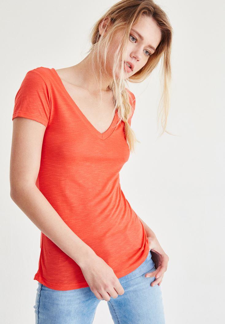 Kırmızı V Yaka Tişört