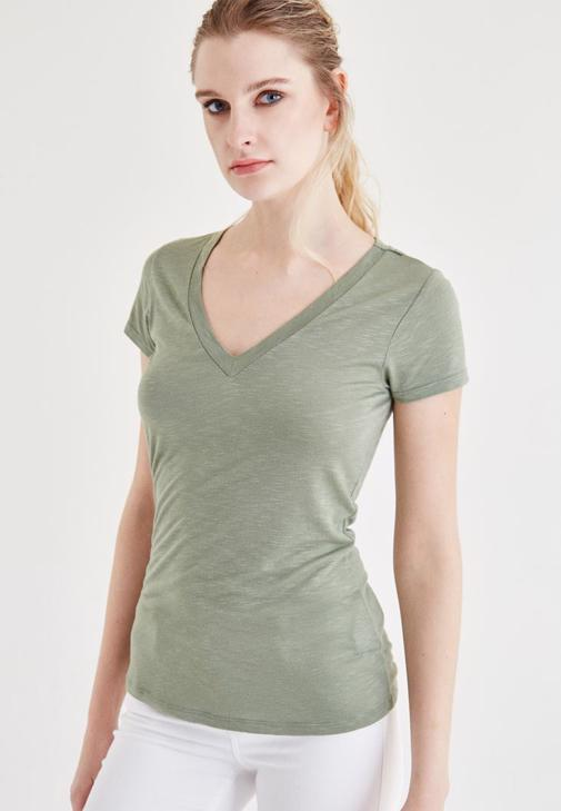 Yeşil V Yaka Tişört