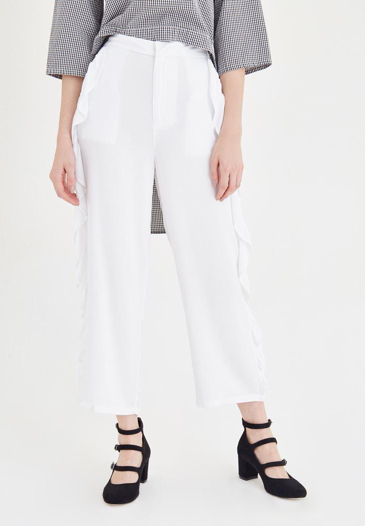 Beyaz Volan Detaylı Pantolon