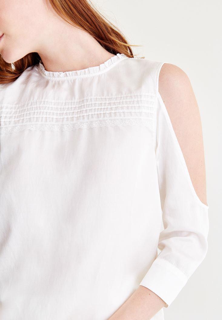 Bayan Krem Omuzları Açık Sırt Detaylı Bluz