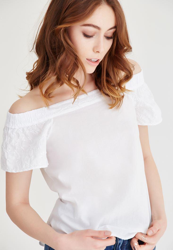 Beyaz Omuzları Açık İşlemeli Bluz