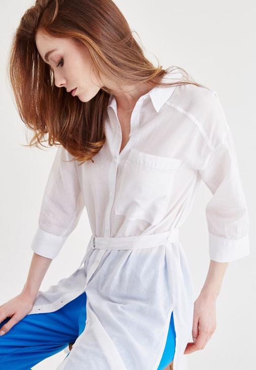 Beyaz Kemer Detaylı Uzun Gömlek