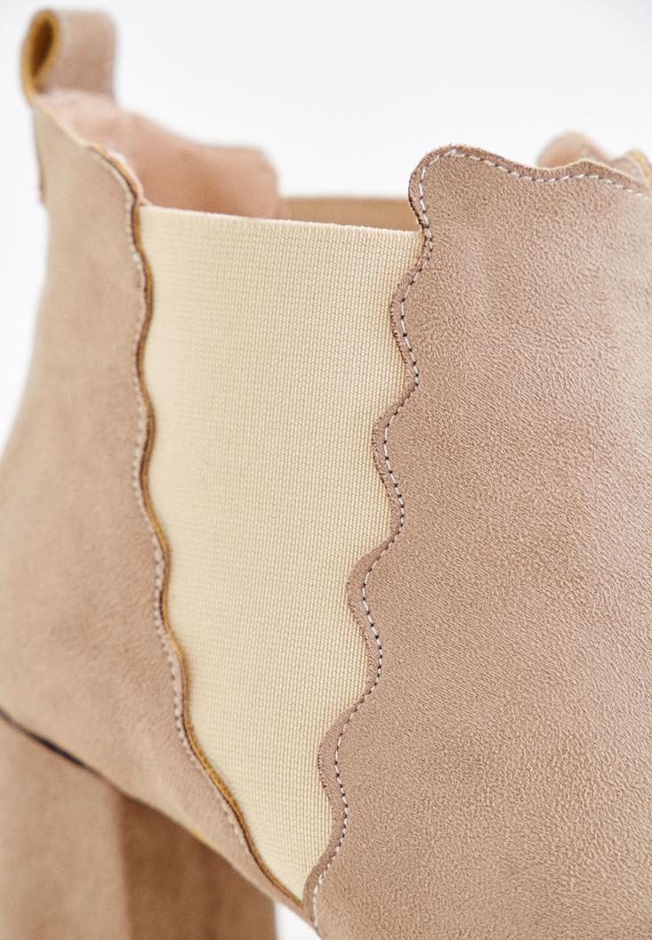 Women Cream Rubber Detailed Boots