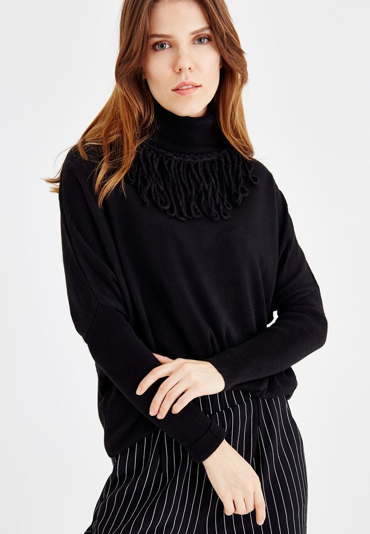 Black Pullover with Tassel and Neck