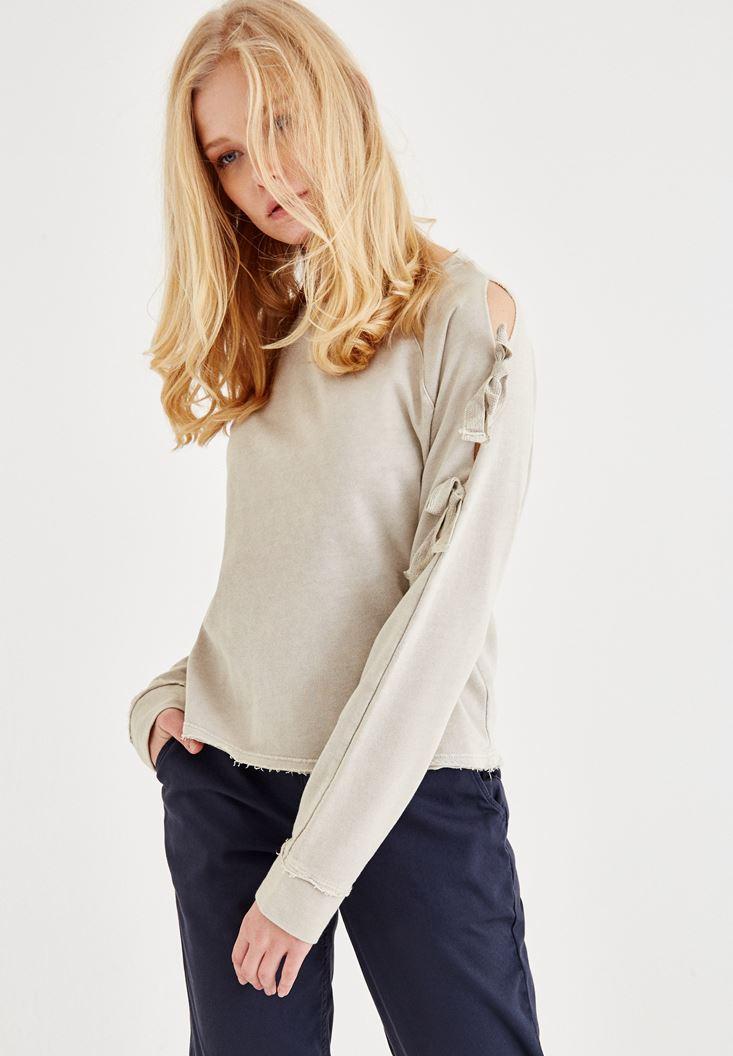 Krem Bağlama Detaylı Sweatshirt