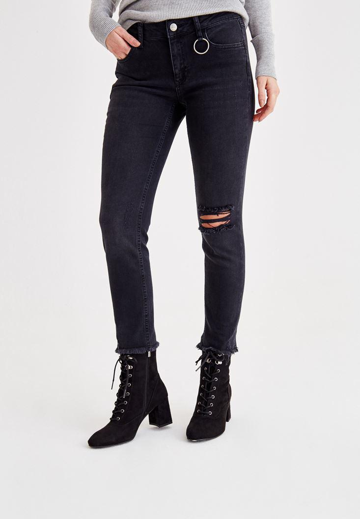 Women Black Mid Rise Pants with Ripped Detailed