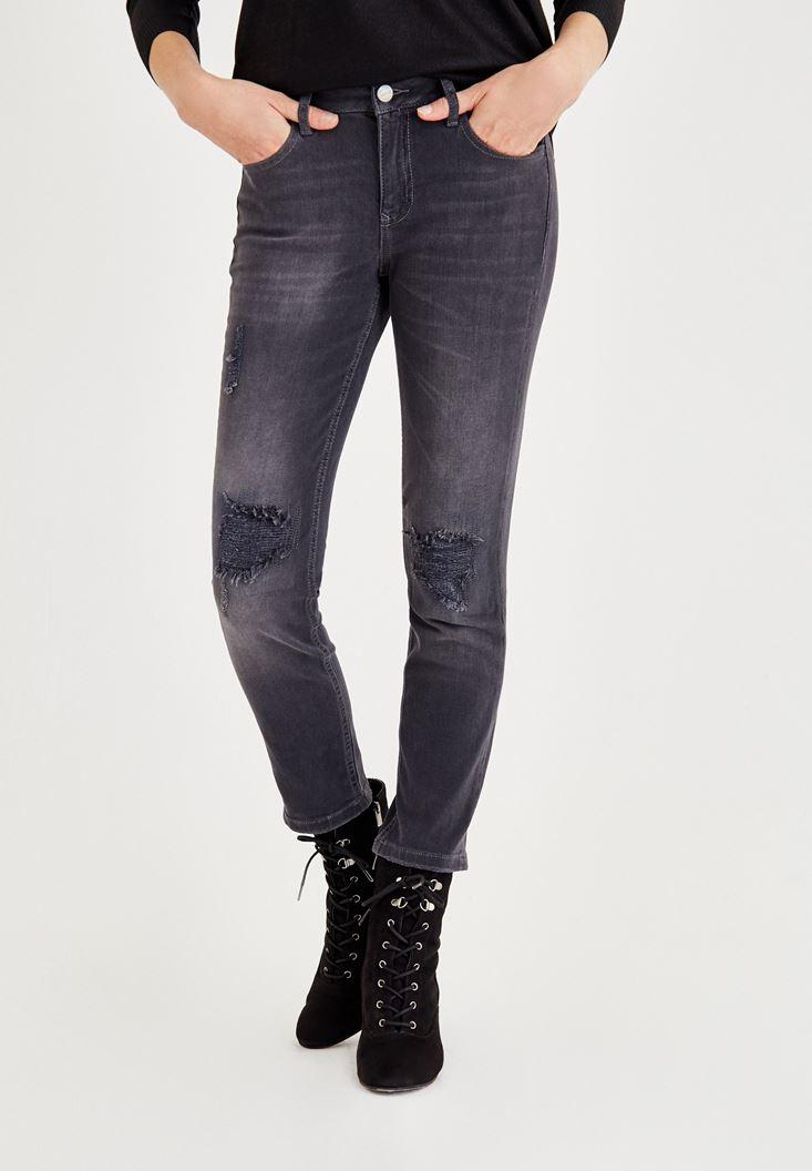 Gri Dizi Yırtık Detaylı Orta Bel Pantolon