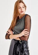 Bayan Siyah Kolları Tül Detaylı Parlak Bluz
