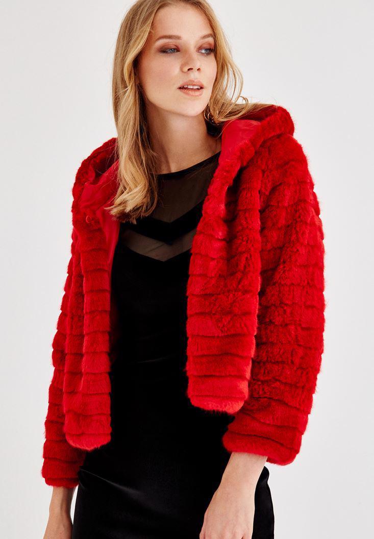 Bayan Kırmızı Şapka Detaylı Uzun Kollu Kürk