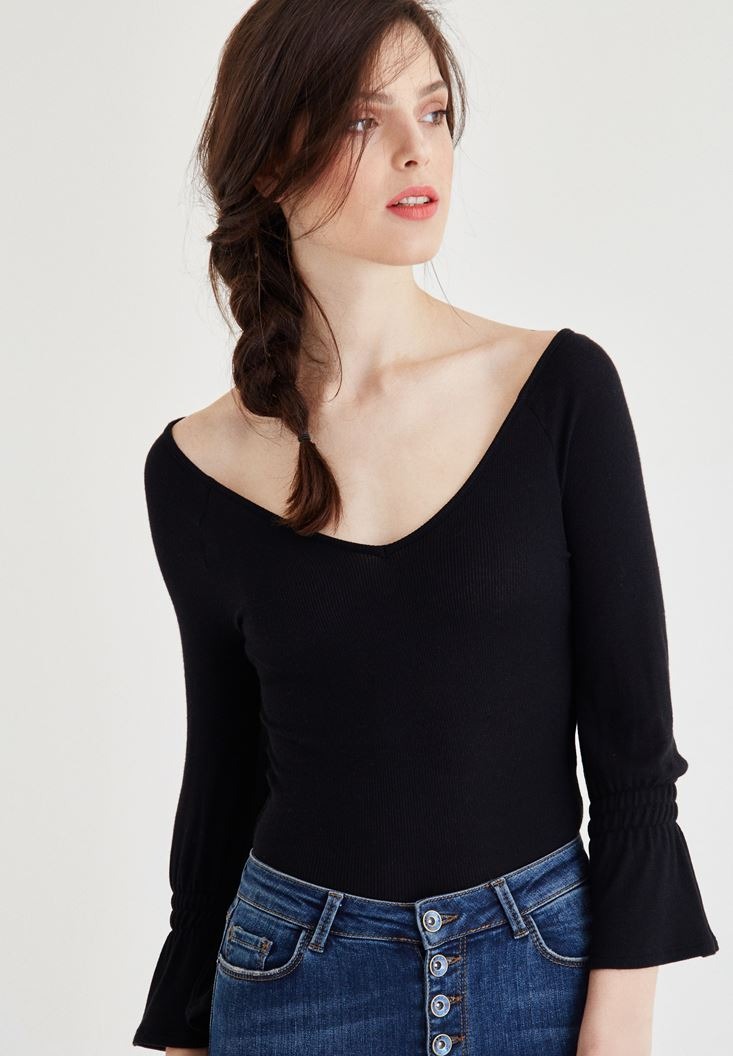 Black Blouse With Ruffle Arms