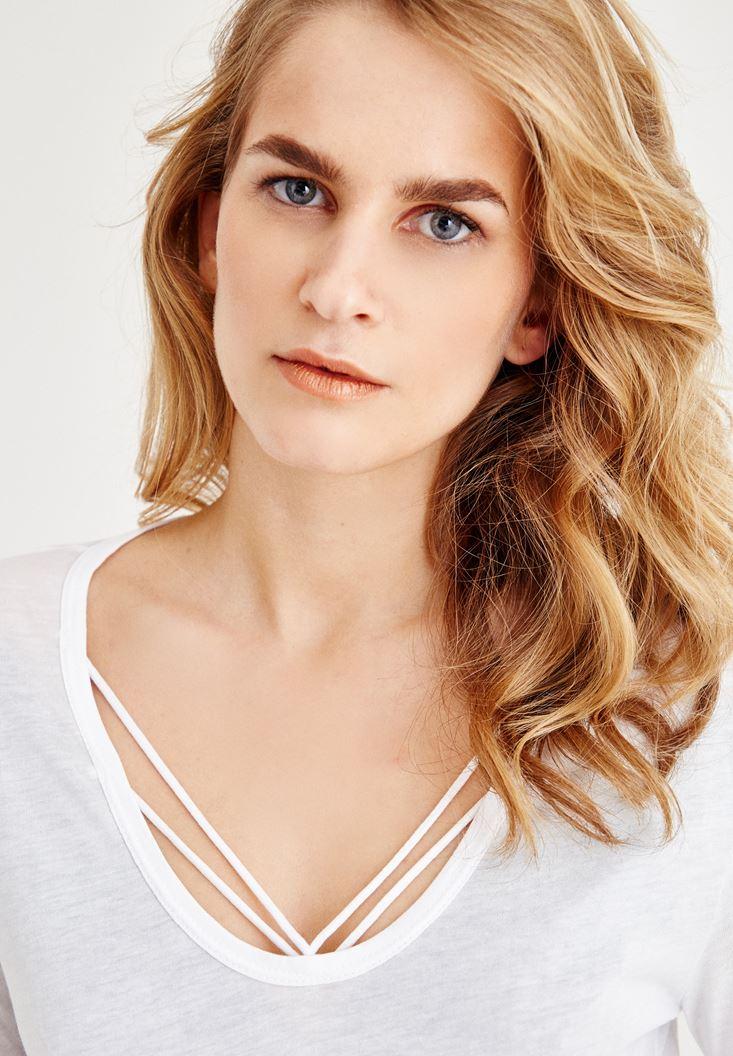 Bayan Beyaz Biye Detaylı Uzun Kollu Tişört