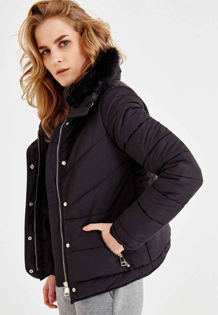 Black Coat With Fur Detailed