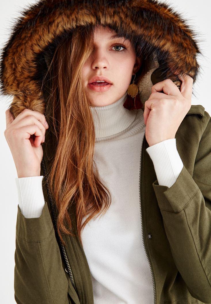 Bayan Yeşil Kürk Şapka Detaylı Mont