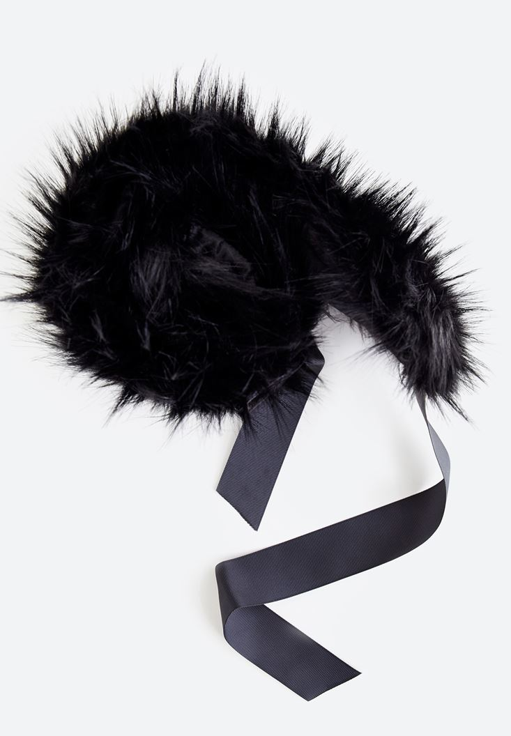 Black Artificial Fur With Lace Detailed