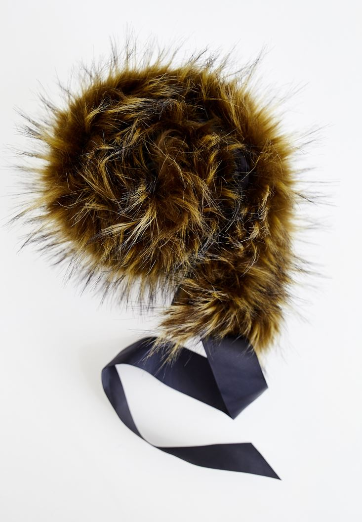 Mixed Artificial Fur With Lace Detailed