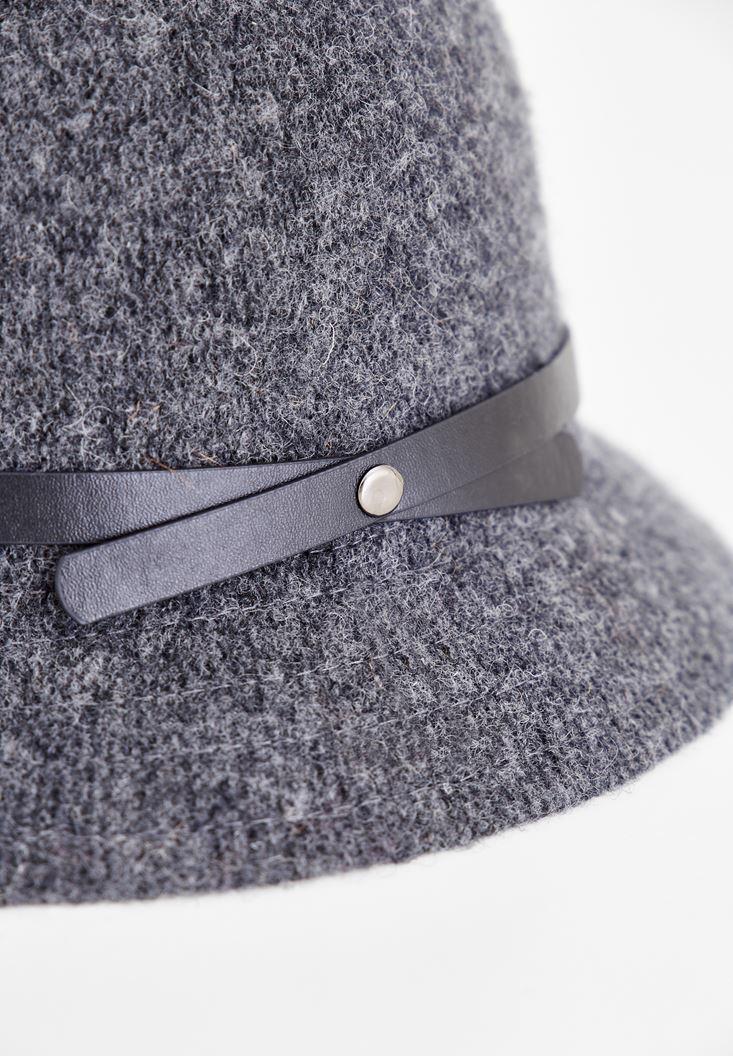 Bayan Gri Deri Kurdele Detaylı Şapka
