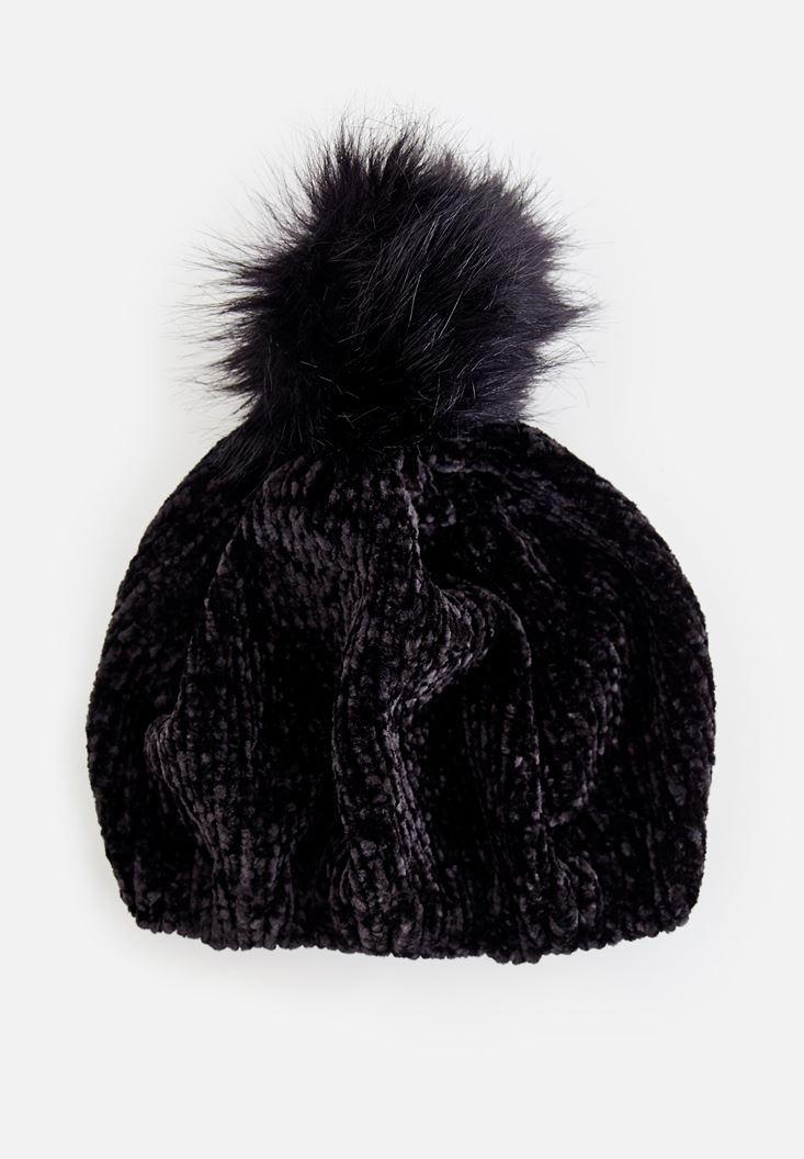Tüy Ponpon Detaylı Şapka