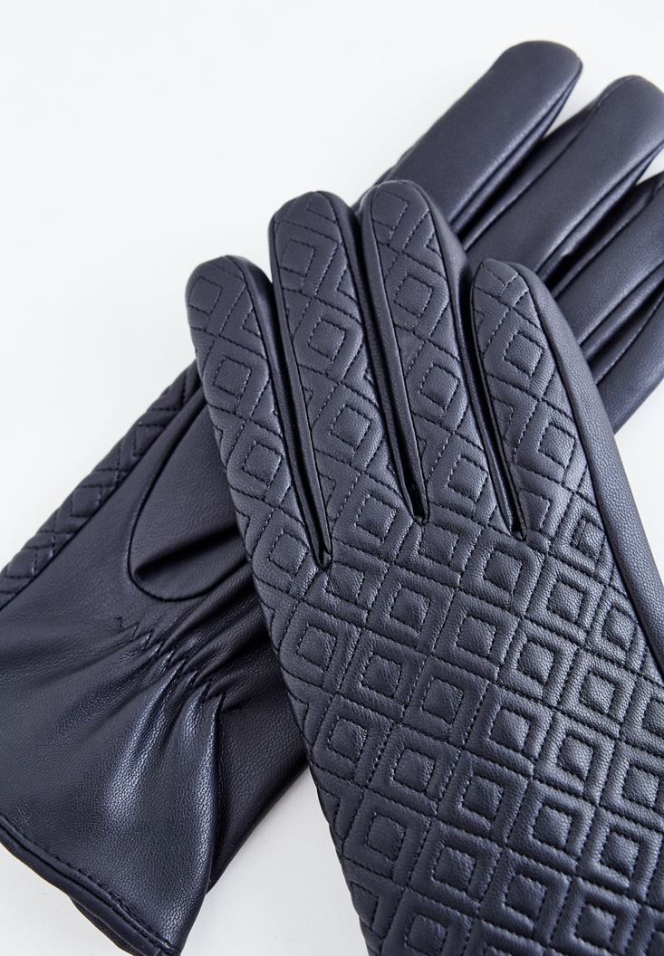 Black Glove with Stitch Detailed