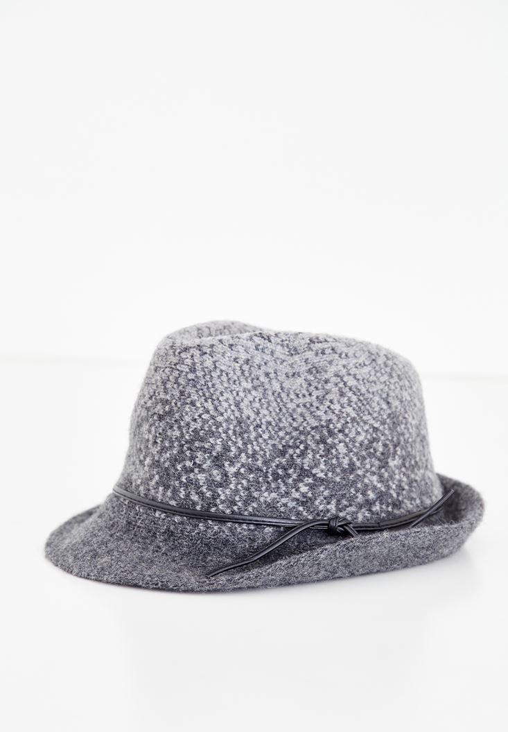 Bayan Hasır Şapka Modellerinde Yeni Trendler