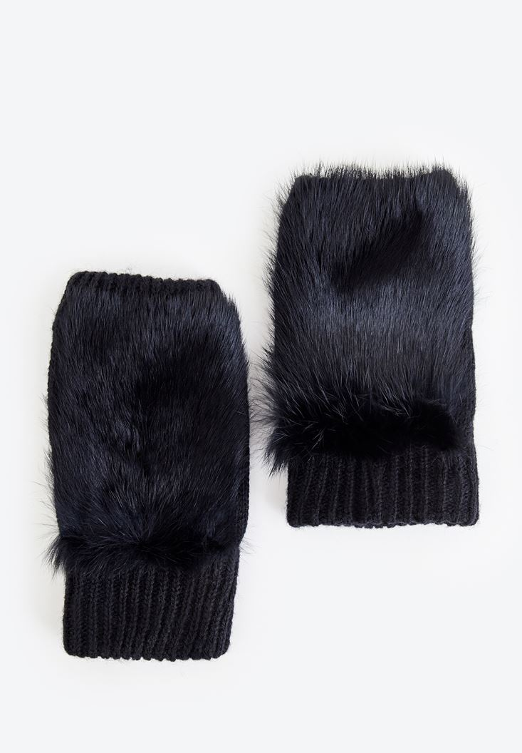 Black Gloves with Fur