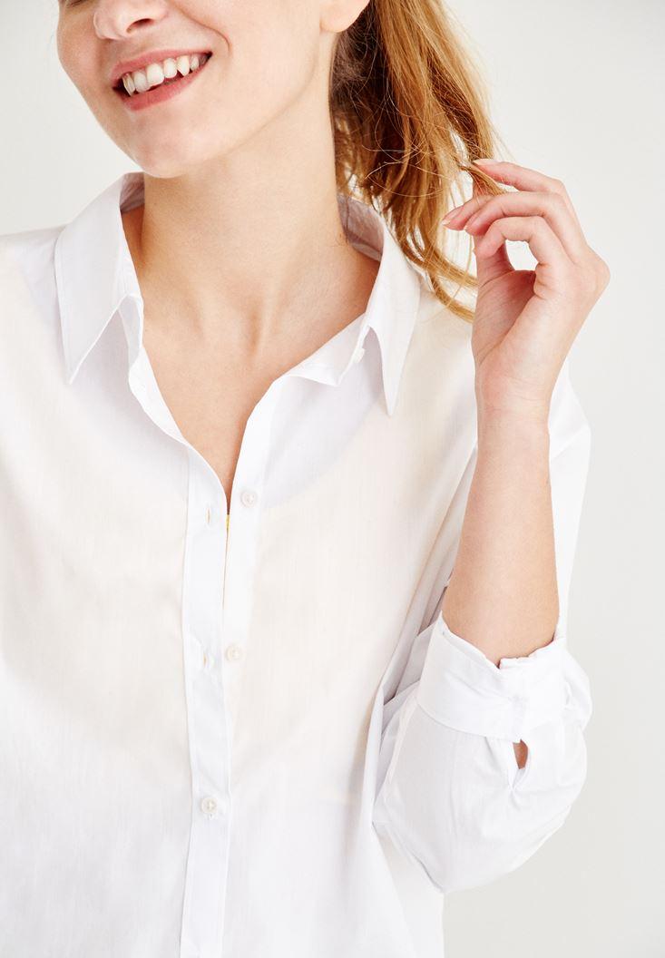 Bayan Beyaz Arkası Detaylı Gömlek