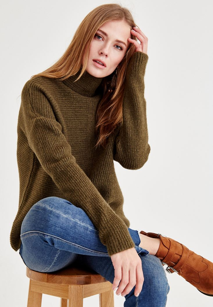 Green Long Sleeve Pullover with Texture