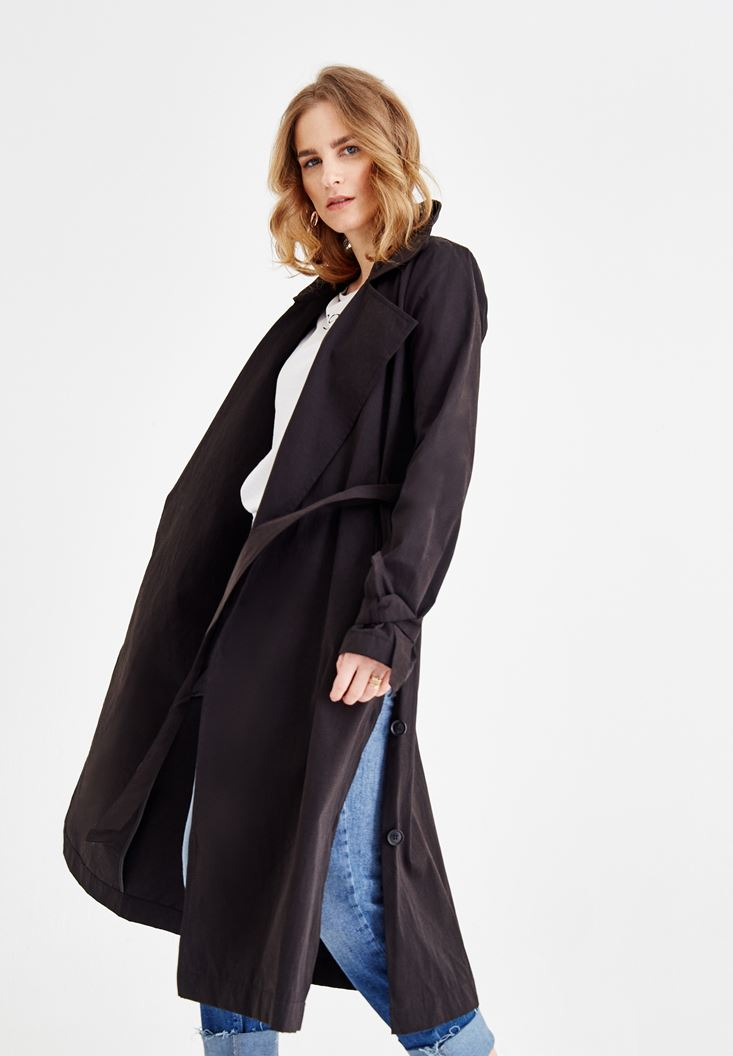Black Trenchcoat With Belt Detail and Pockets
