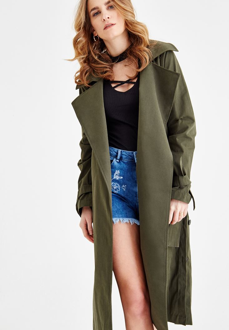Green Trenchcoat With Belt Detail and Pockets
