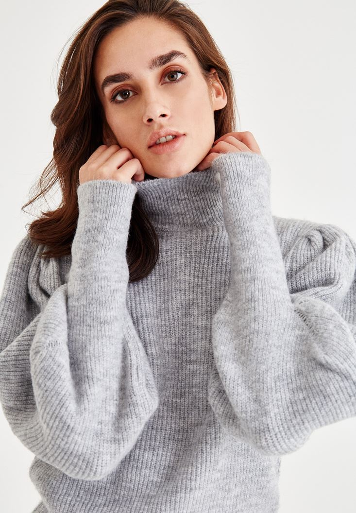 Grey Turtleneck Pullover With Large Arms