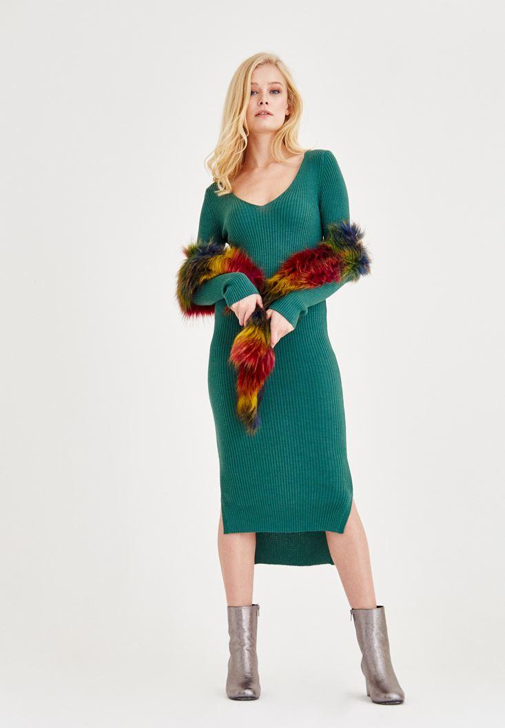 Yeşil V Yaka Yırtmaç Detaylı Uzun Elbise