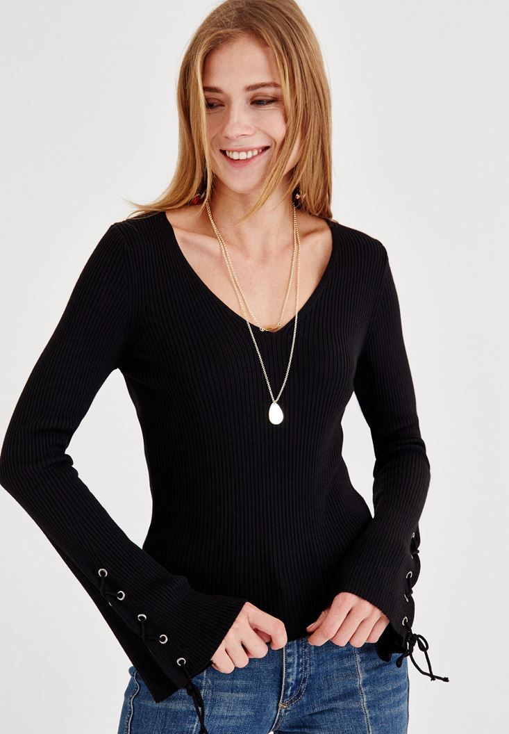 Black Pullover with Arm Line Detail