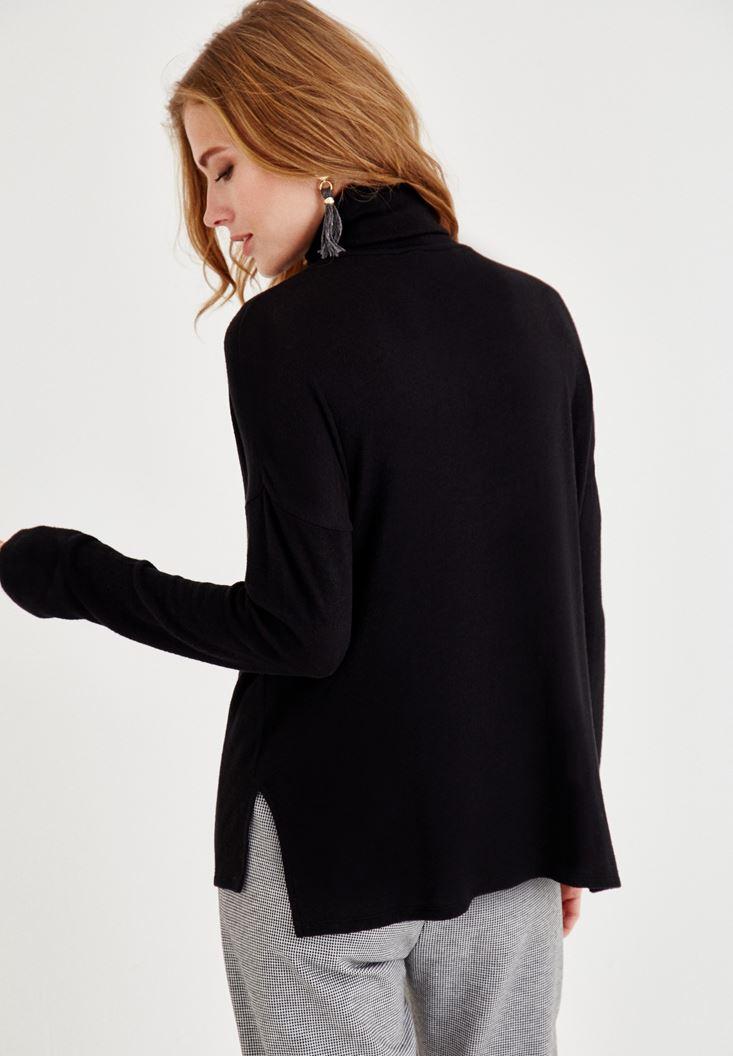 Bayan Siyah Boğazlı Yırtmaç Detaylı Uzun Kollu Triko