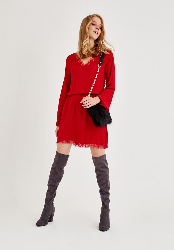 Kırmızı Dantel Detaylı Kısa Elbise