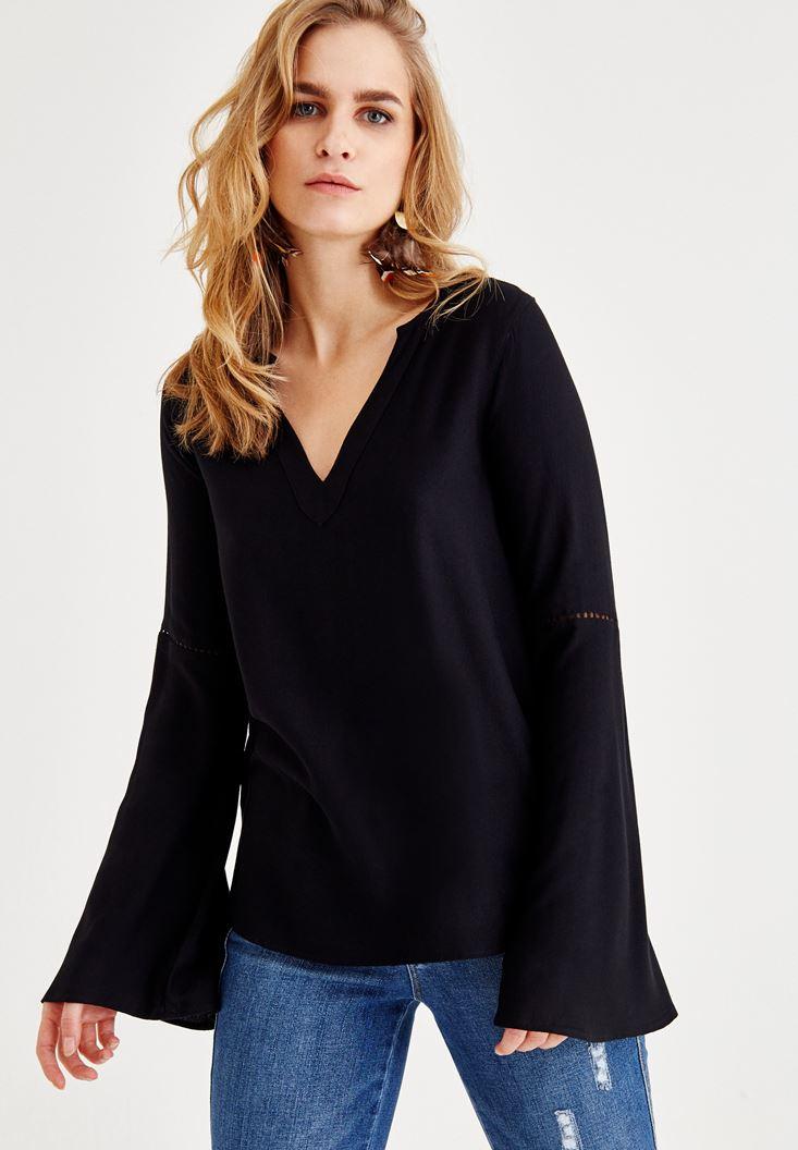 Siyah V Yaka Kolları Detaylı Bluz