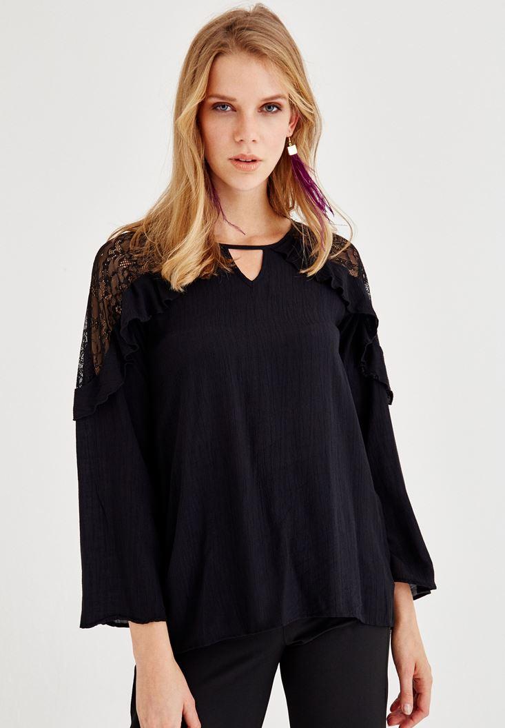 Siyah Dantel ve Volan Detaylı Bluz