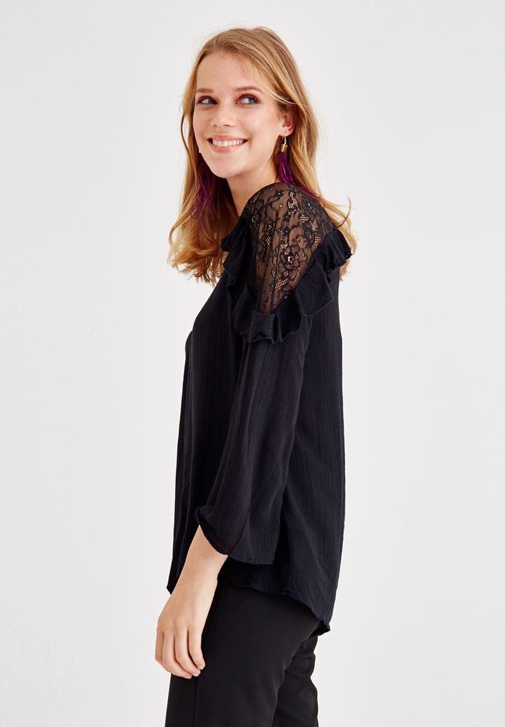 Bayan Siyah Dantel ve Volan Detaylı Bluz