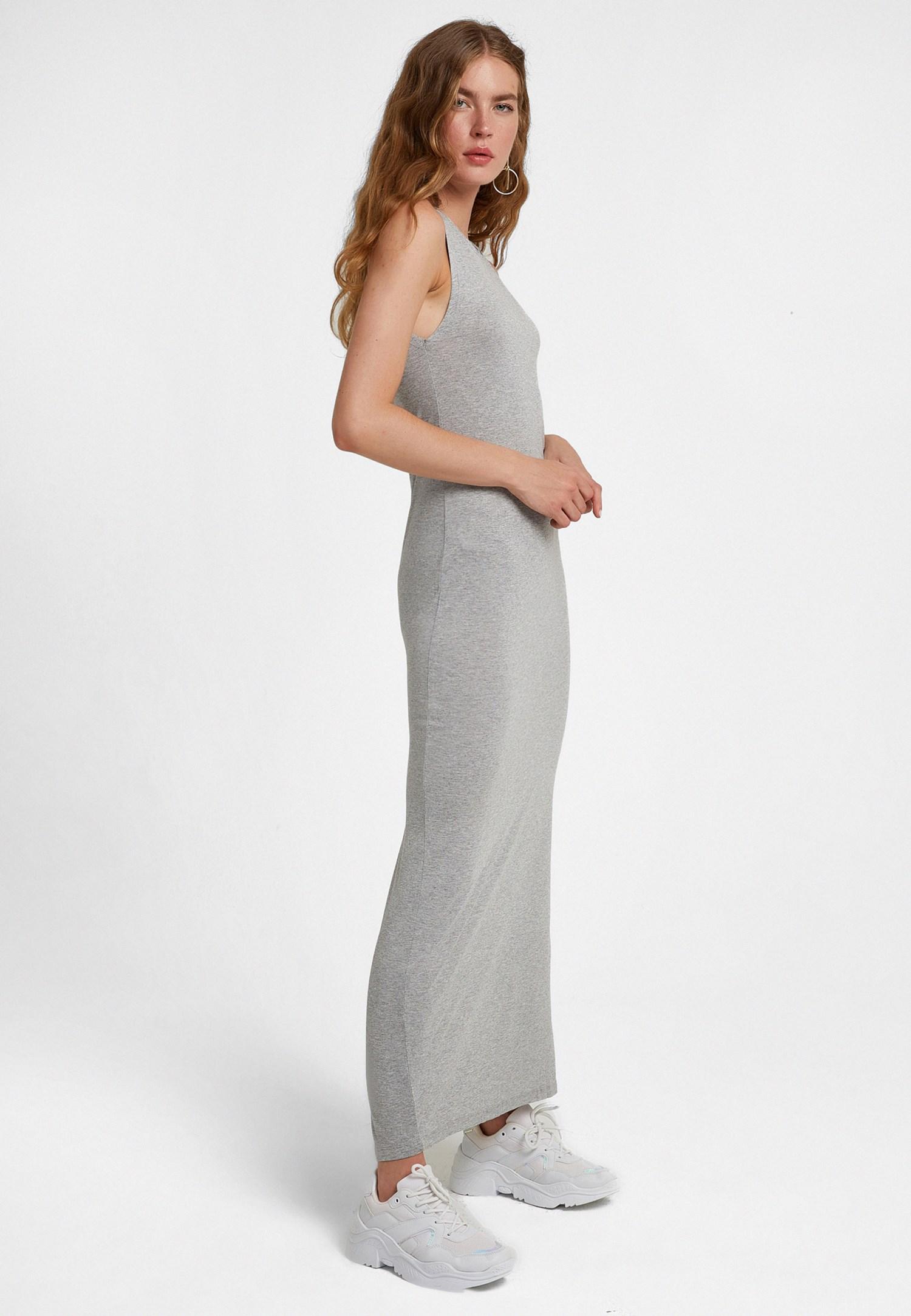 Bayan Gri Arkası Yırtmaçlı Uzun Elbise